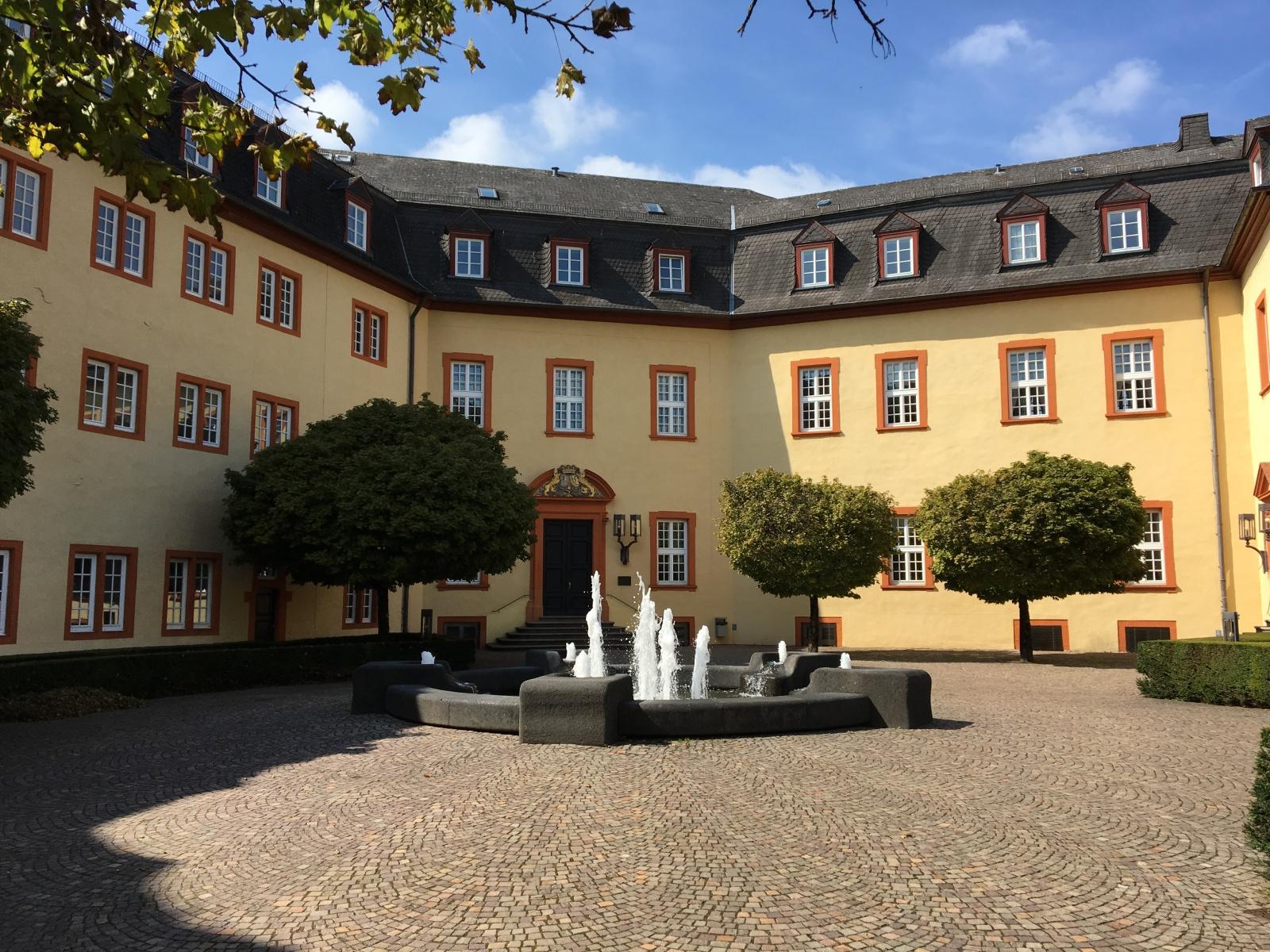 Schloss1